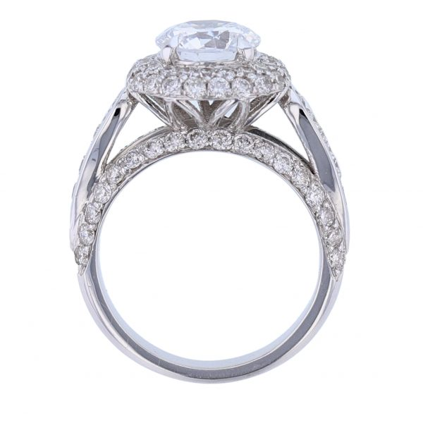 18K White Gold Round Cut Diamond Engagement Ring