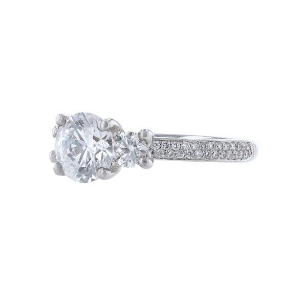 18K White Gold Round Cut Diamond Engagement Ring18K White Gold Round Cut Diamond Ring